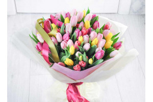 Цветы - лучший подарок для девушки во все времена