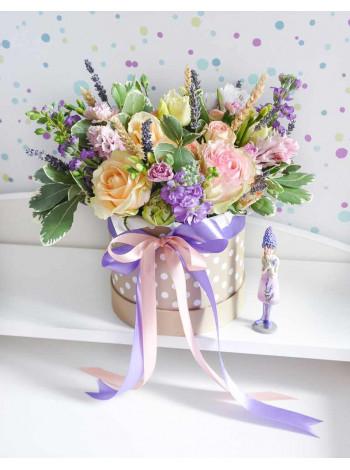 """Букет цветов в шляпной коробке """"Джослин"""""""
