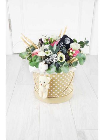 """Цветы в шляпной коробке """"Каели"""""""