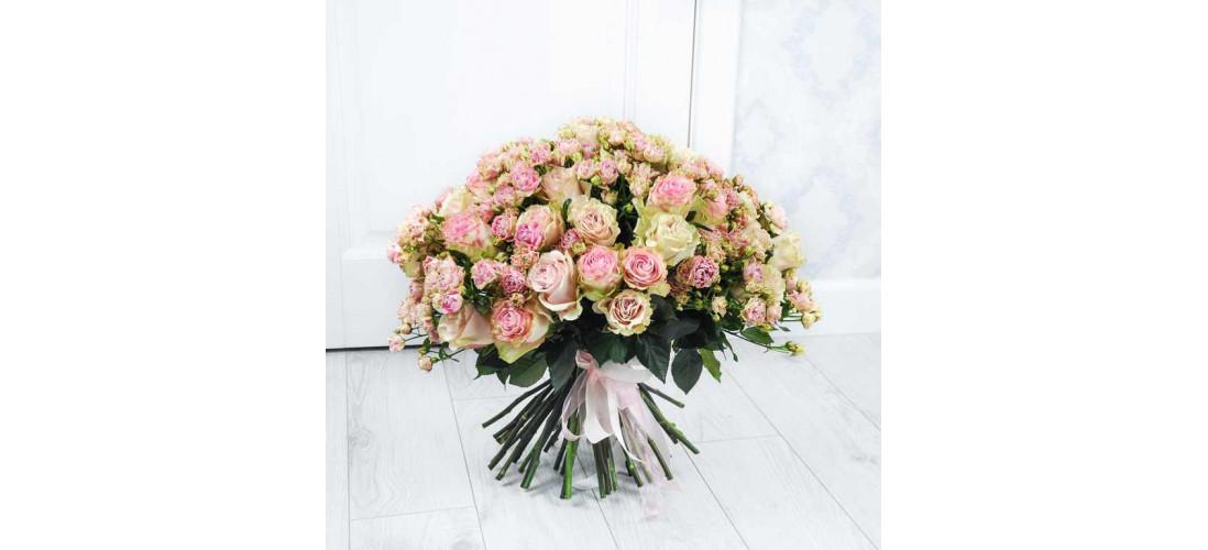 Розы как символичный подарок – описание, популярные цвета и сорта>
