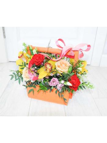 """Цветы в деревянном ящике """"Апельсиновая радость"""""""