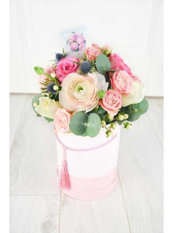 """Цветы в шляпной коробке """"Паула"""""""