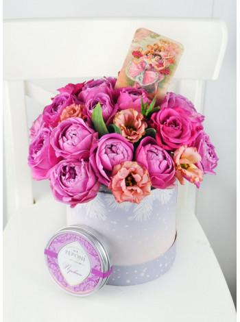 """Цветы в шляпной коробке """"Анна"""""""