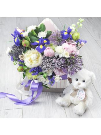 """Цветы в коробке конверте """"Дебора"""""""