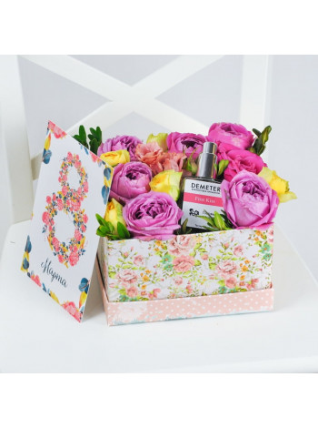 """Цветы в подарочной коробке """"Жаклин"""""""