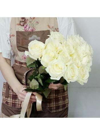 Купить букет из 15 белых роз с доставкой в Раменское, Жуковский, по Раменскому р-ну - Цветочная поэзия.