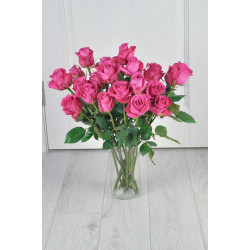 Букет из 21 розовой розы.