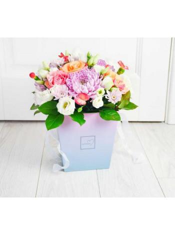 "Цветы в коробке ""Нежные объятья"""