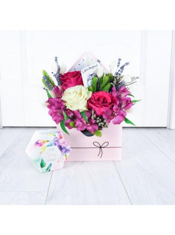 """Цветы в коробке конверте """"Николетта"""""""