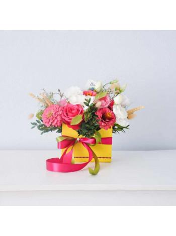 """Цветы в деревянном ящике """"Реин"""""""
