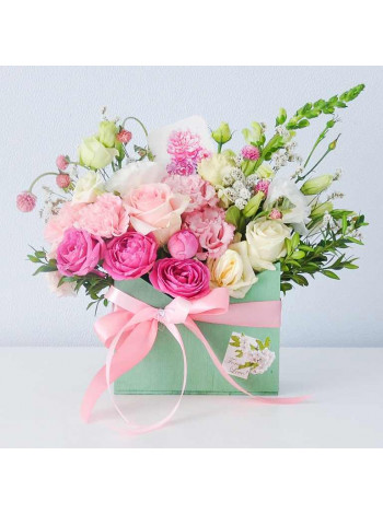 """Цветы в деревянном ящике """"Селеста"""""""