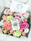 """Цветы в коробке с рафаэлло """"Силвана"""""""