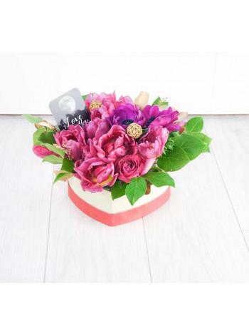"""Цветы в коробке в форме сердца """"Танец страсти"""""""