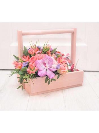 Цветы в деревянном ящике «Звезда пленительного счастья»
